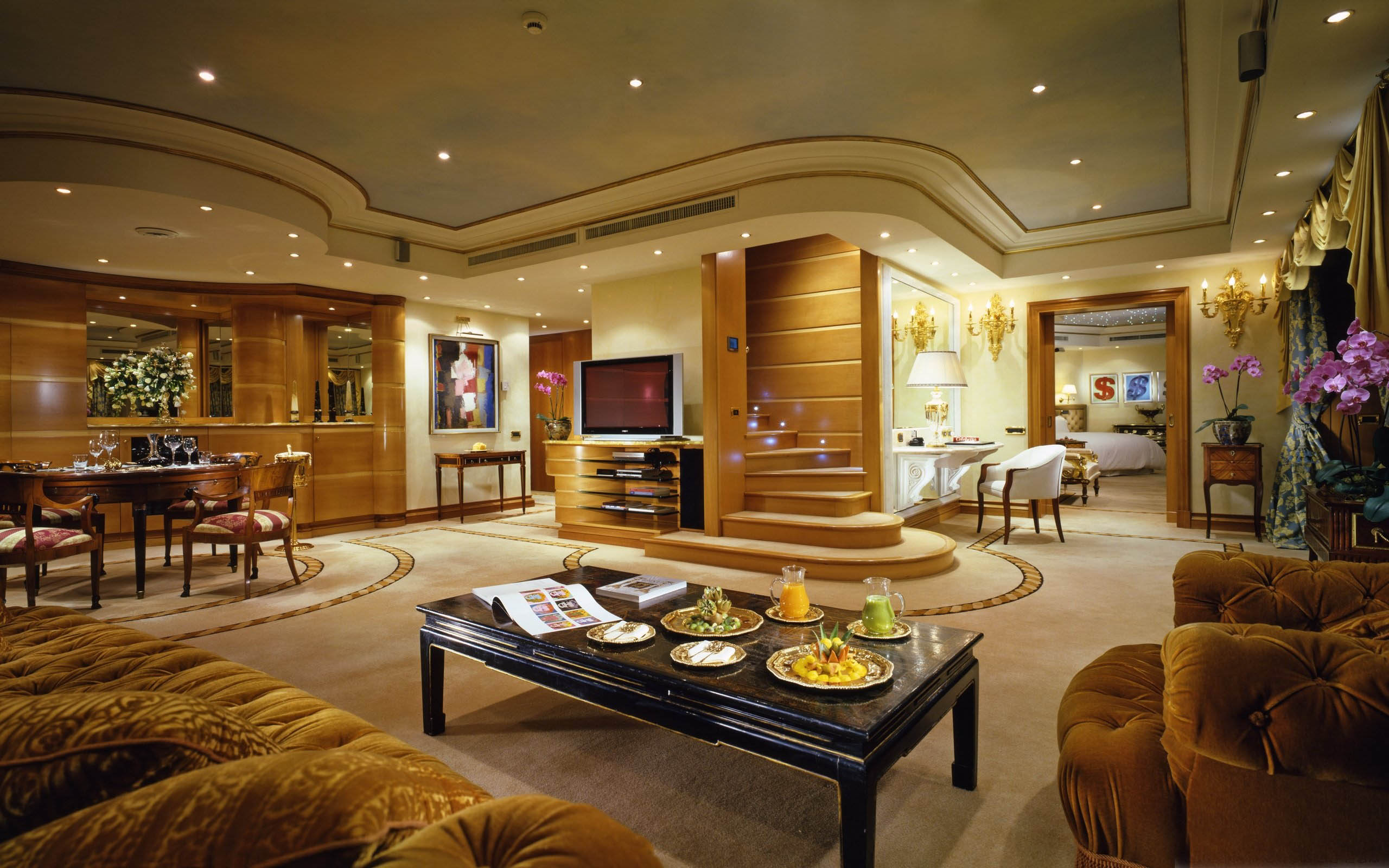 Considerations when shopping for luxury property for Image of interior design