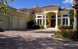 florida-estate-house-3-car-garage-427x270